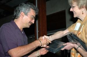 KPBS' Kenny Goldberg accepts his award.